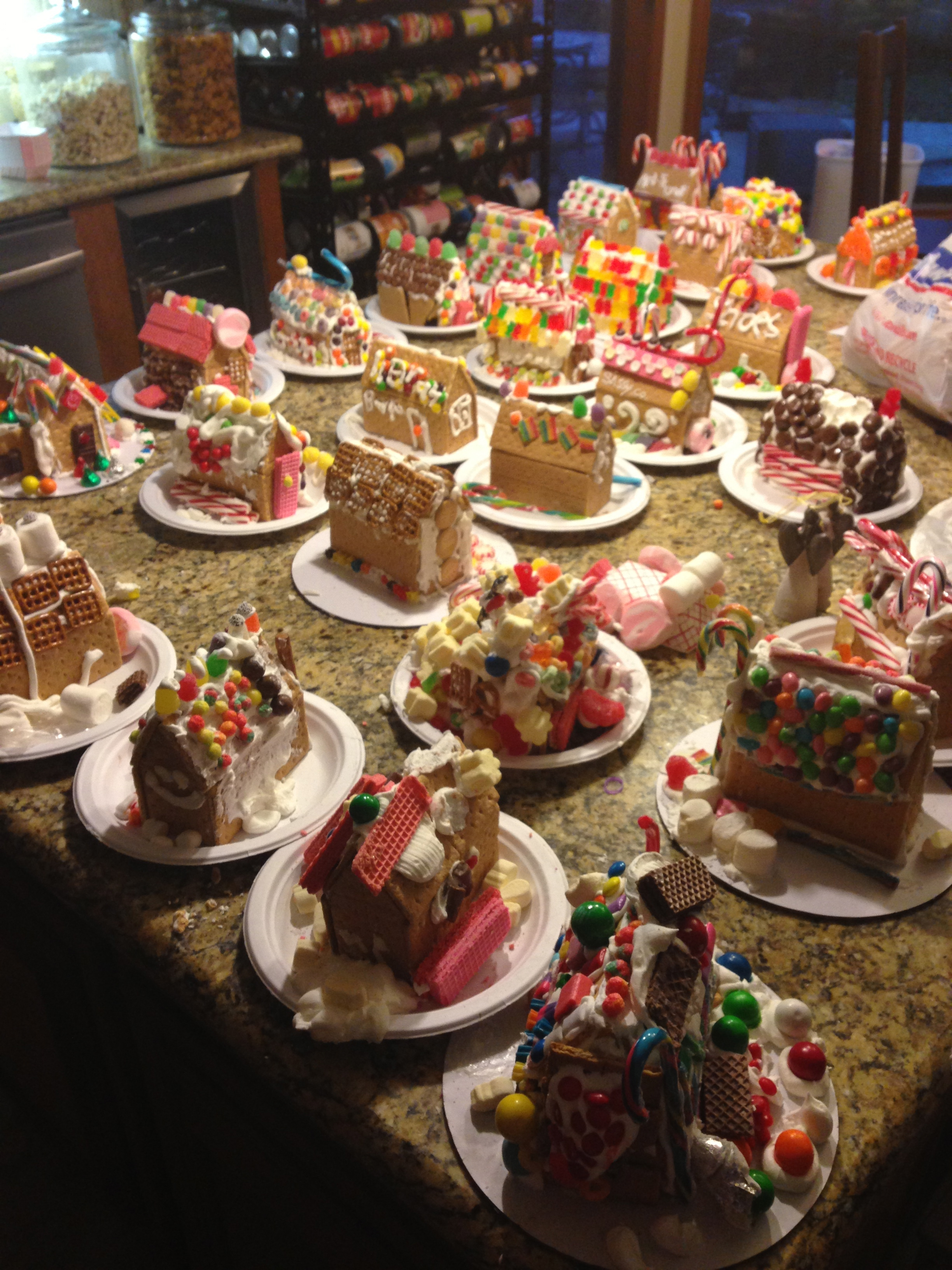 How to host a gingerbread house party eat this up for How do you make a gingerbread house