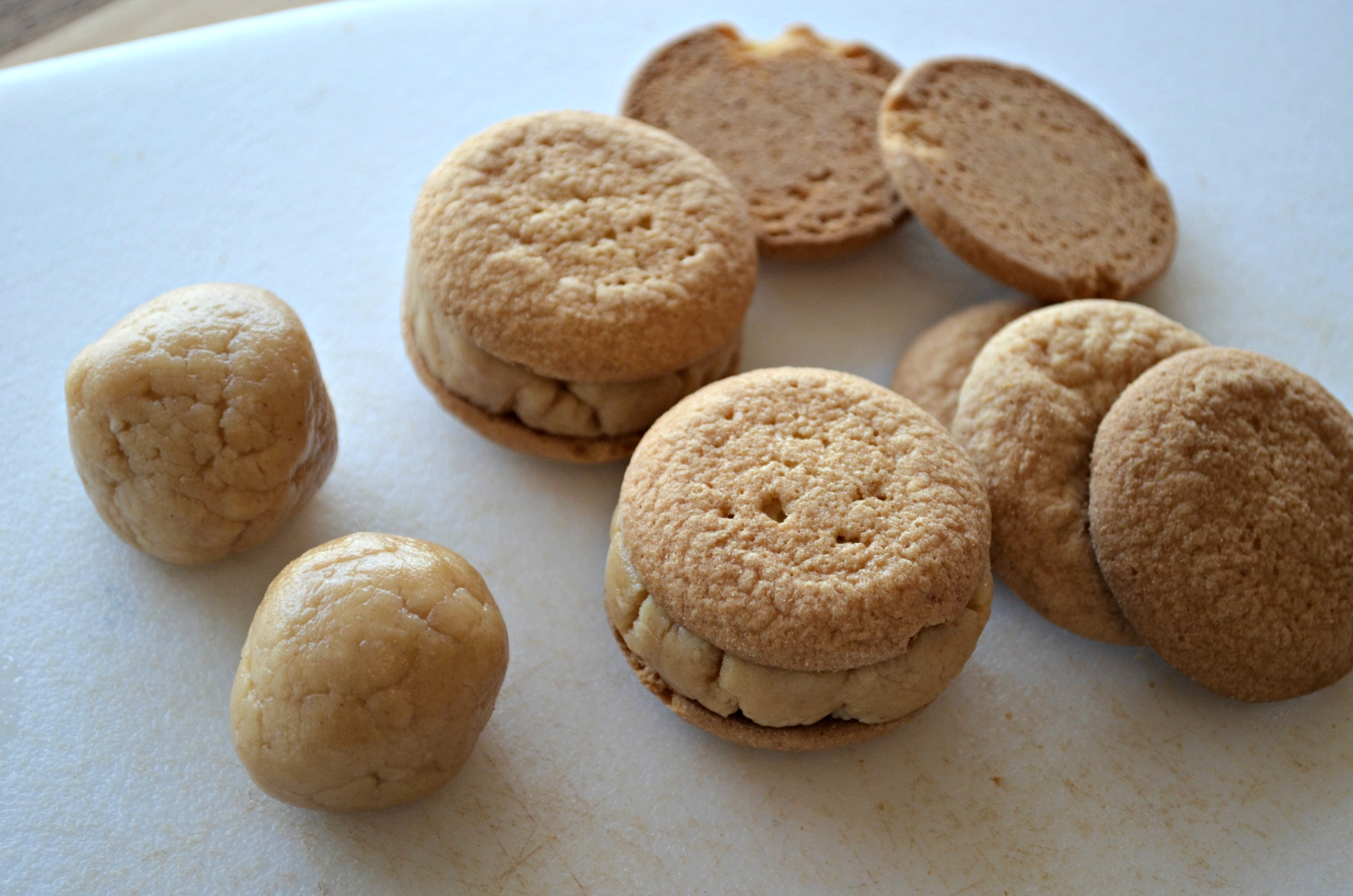 Peanut Butter Ball Cookies - Eat This Up